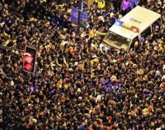 Tragedie de Anul Nou: Zeci de morti intr-o busculada la Shanghai, dupa ce au fost aruncate bancnote false (Video)