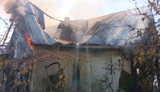 Tragedie la Botoșani: casa unei femei de 101 ani a fost mistuită de flăcări
