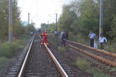 Tragedie la Cernele! Un craiovean si nepotul sau accidentati mortal de tren