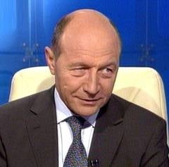 Traian Basescu: Adrian Nastase nu a cerut gratierea, nu stiu de ce il tot aducem in discutie
