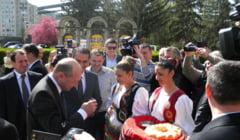 Traian Basescu: Politica nu se face din birou