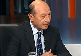 Traian Basescu: Simt ca au intrat deja retele teroriste in Europa odata cu refugiatii