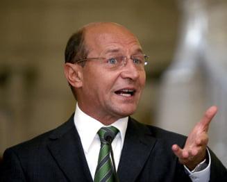 Traian Basescu, cel mai criticat candidat la prezidentiale