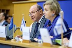 Traian Basescu, despre clanurile interlope: Dupa protocoale, SRI s-a retras din supravegherea gruparilor de crima organizata, trebuie sa revina
