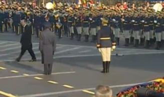 Traian Basescu, huiduit de multime la Ziua Nationala - vezi ce i-au strigat oamenii