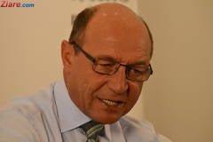 Traian Basescu, in instanta ca sa-si studieze dosarul demisia in 5 minute