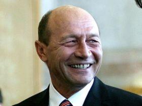 Traian Basescu, in vizita la UPETROM Ploiesti (Video)