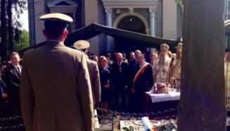 Traian Basescu, la mormantul lui Avram Iancu - aplauze si huiduieli