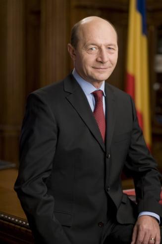 Traian Basescu, mesaj de Pastele catolic: Hristos a inviat!