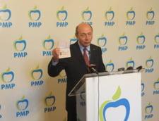 Traian Basescu, solidar cu pensionarii: Si pensia mea e mica, noroc cu indemnizatia de fost presedinte!