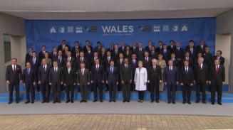 Traian Basescu, umbra lui Obama la summit-ul NATO (Galerie foto)