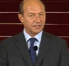 Traian Basescu a primit cadou un ceai antifoame