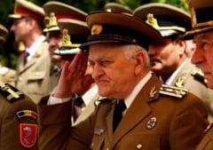 Traian Basescu a promulgat Legea privind reintregirea pensiilor militarilor