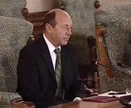 Traian Basescu ar putea anunta premierul la ora 13.00