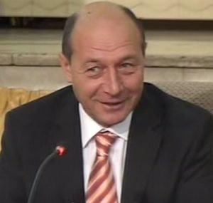 Traian Basescu ataca din nou trusturile de presa