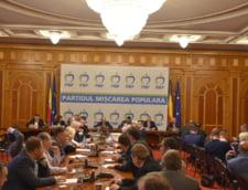 Traian Basescu candideaza la europarlamentare si este primul pe lista PMP