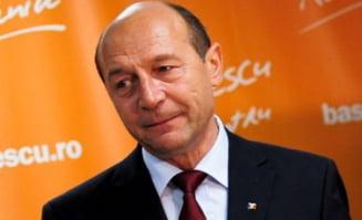Traian Basescu candideaza la sefia PD-L (Opinii)