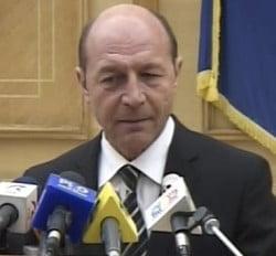 Traian Basescu declara razboi presei