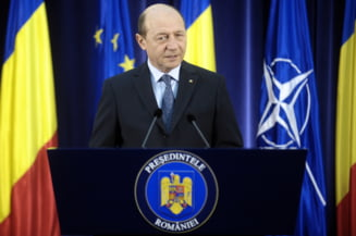 Traian Basescu ii cere lui Corlatean sa renunte la afirmatiile despre Schengen