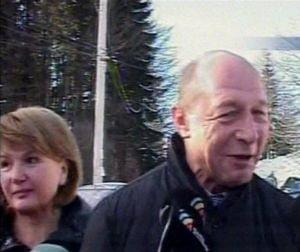 Traian Basescu ii trimite pe romani la munca si reformeaza statul din varful muntelui (Video)