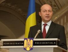 """Traian Basescu implineste 60 de ani - isi petrece ziua printr-un """"liber de la serviciu"""""""