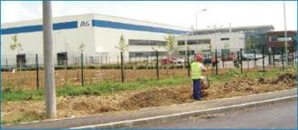 Traian Basescu inaugureaza la Urlati cea mai mare fabrica de sampon a P&G (Video)