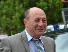 Traian Basescu isi recunoaste eroarea de a fi dorit alegerea primarilor intr-un singur tur de scrutin