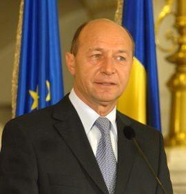 Traian Basescu l-a felicitat pe Barack Obama