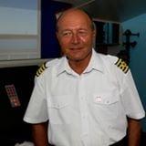 Traian Basescu le scrie lui Ponta si Iohannis: Faceti remanierea domnului Valcov pana luni!