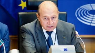 """Traian Basescu nu sustine desfiintarea Sectiei Speciale: """"Procurorii nu sunt maturi. Cauta glorie ieftina din arestarea politicienilor"""""""