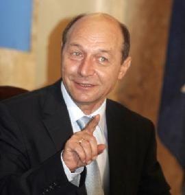 Traian Basescu opreste legea masteratelor