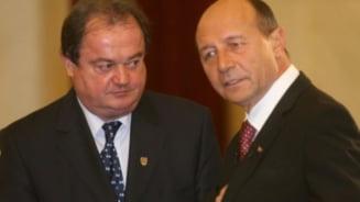 Traian Basescu participa la inmormantarea tatalui lui Vasile Blaga - Update
