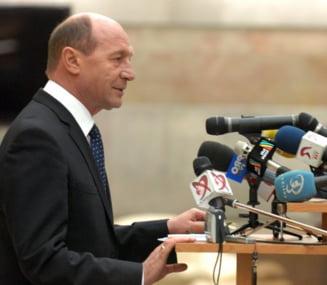 Traian Basescu s-a enervat dupa ce s-a vazut live la TVR