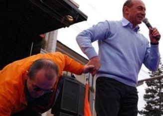 Traian Basescu scapa turma (Opinii)