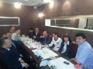 Traian Basescu se intalneste cu membrii Fundatiei Miscarea Populara (Video)