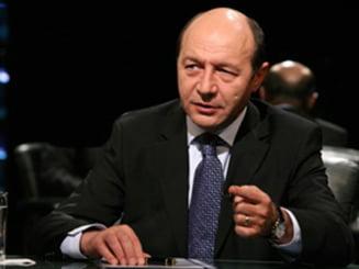 Traian Basescu vs. moguli