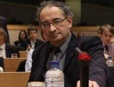 Traian Ungureanu: Sondajele de pe site-uri au procente nascocite la un pahar cu bere