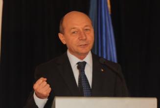 Traian se leapada de Mircea. Cucuta lui Basescu (Opinii)