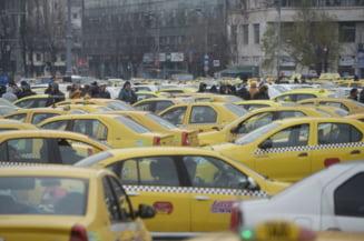 Transportatorii FORT care au blocat Bucurestiul renunta la protest. Guvernul le-a promis ca opreste pirateria si ii lasa sa circule tot cu masinile vechi