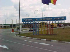 Transportatorii anunta ca 2.000 de camioane s-au blocat in Vama Giurgiu, pentru ca vamesii au intrat deja in vacanta