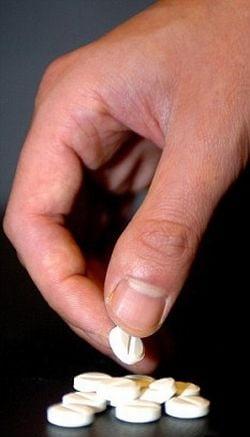 Tratament revolutionar: Cancerul intestinal, vindecat pe cale orala