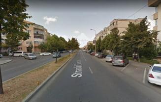 Trei adolescente au fost lovite de un autoturism pe o trecere de pietoni din Pitesti. La volanul masinii se afla o femeie