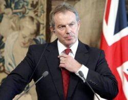 Trei barbati, arestati dupa ce l-au amenintat pe Blair cu moartea
