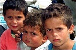 Trei copii rromi, internati dupa ce politia ar fi folosit gaze lacrimogene impotriva lor
