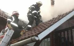 Trei incendii puternice in Avrig, Atel si municipiul Sibiu. Turisti rataciti gasiti in apropiere de Sibiel