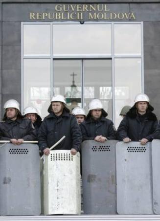 Trei jurnalisti romani, expulzati din Republica Moldova
