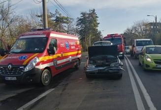 Trei masini s-au ciocnit pe Calea Unirii