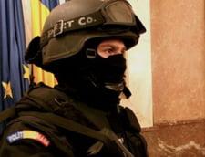 Trei militari retinuti de DIICOT pentru trafic de droguri. Se consuma ecstasy si in unitati militare (Video)