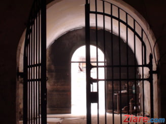 Trei preoti din Vaslui au fost condamnati definitiv la inchisoare, dupa un santaj de natura sexuala