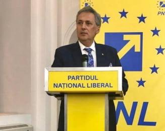 Trei primari PNL au fost exclusi din partid pentru ca ar fi colaborat cu PSD